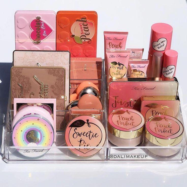 Photo of Make-up Pinsel auf ein Budget Make-up Spiegel Ersatzglas. – #auf #Budget #ein #E…