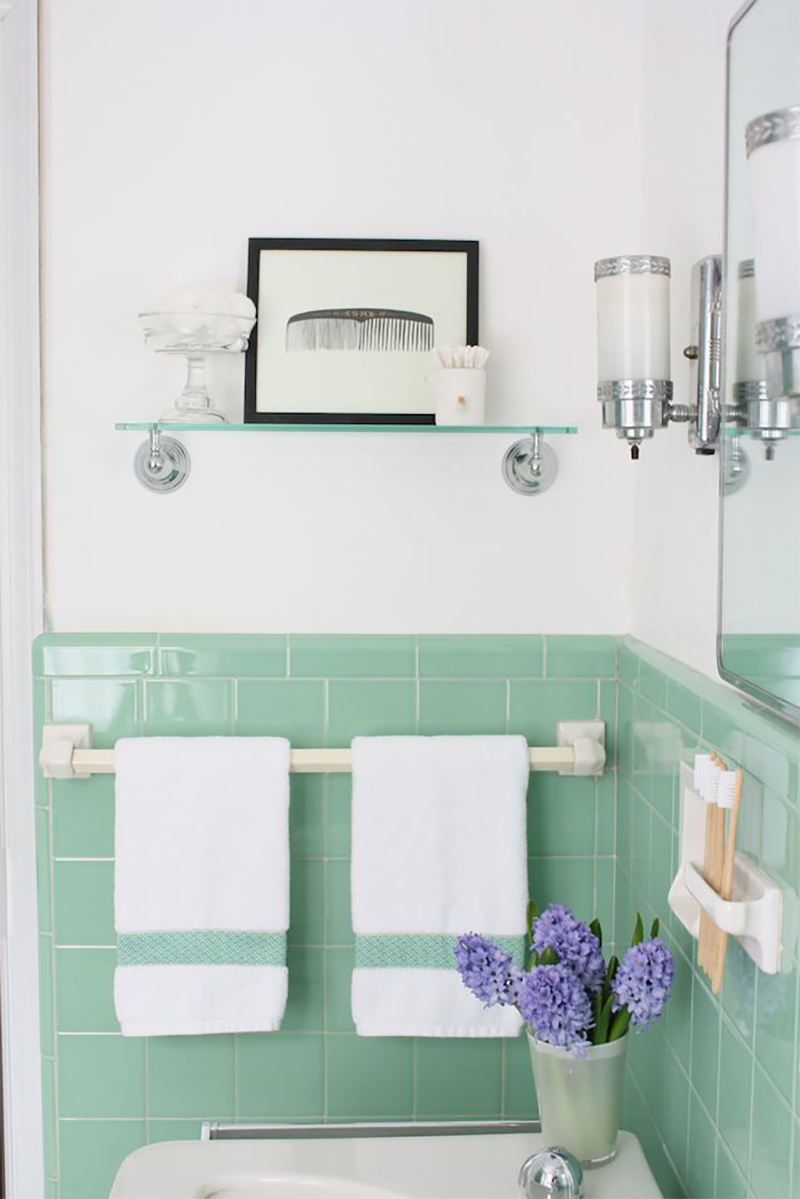 10 Vintage Bathrooms You D Be Lucky To Inherit With Images