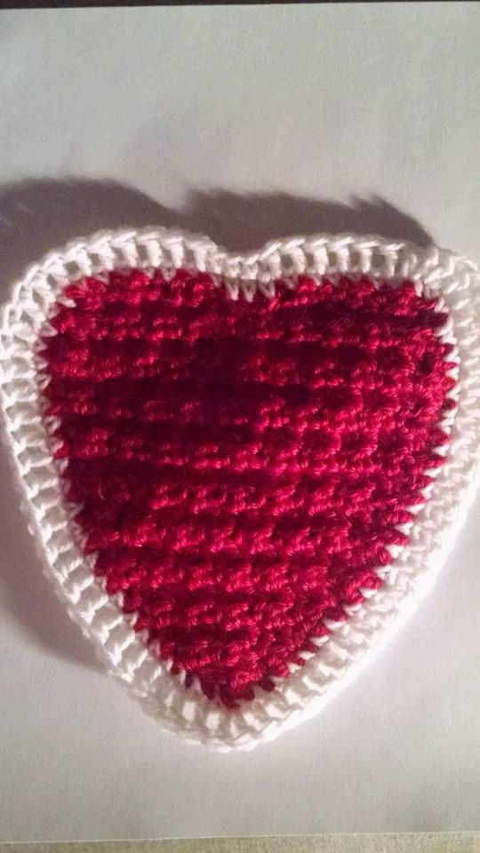 Red and White Crochet Heart Placemat Pot Holder or Hot by missy69