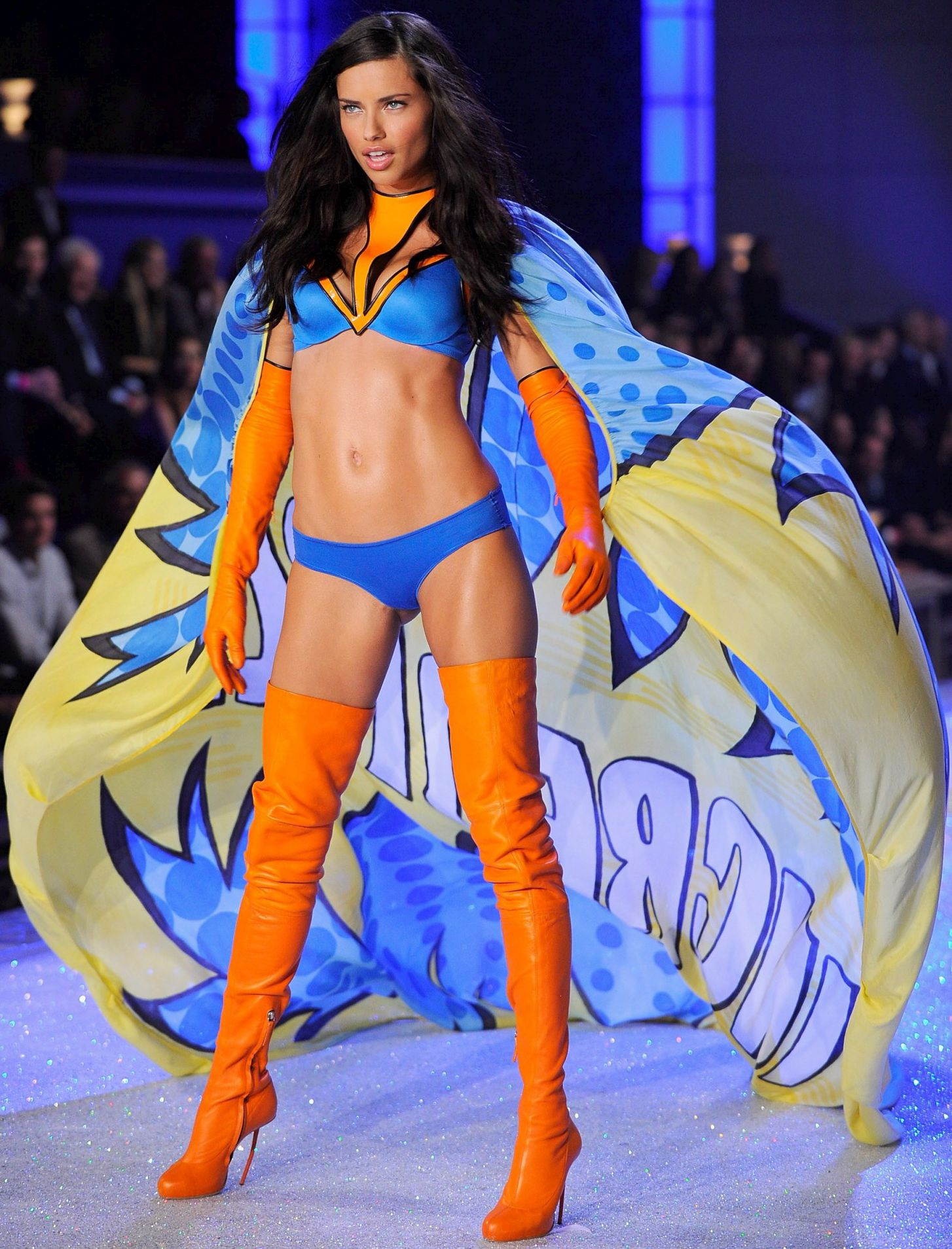 e1bb8424f7d9b Victoria's Secret Fashion Show 2011 | Victoria secret fashion show ...