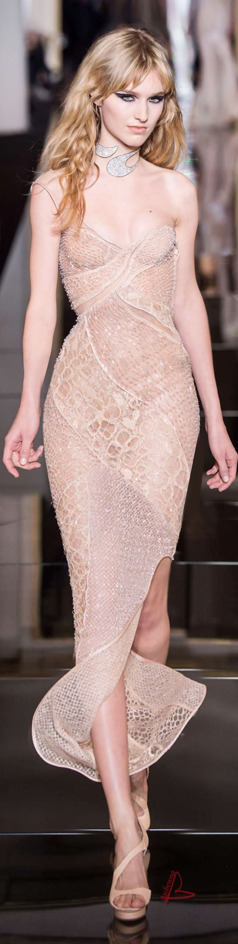 Atelier Versace Couture Spring 2015. What. The. Holy. Fuck ...