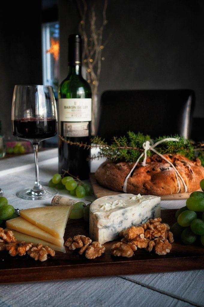 Baron De Ley viini ja hedelmä-pähkinaleipä ovat täydellinen yhdistelmä