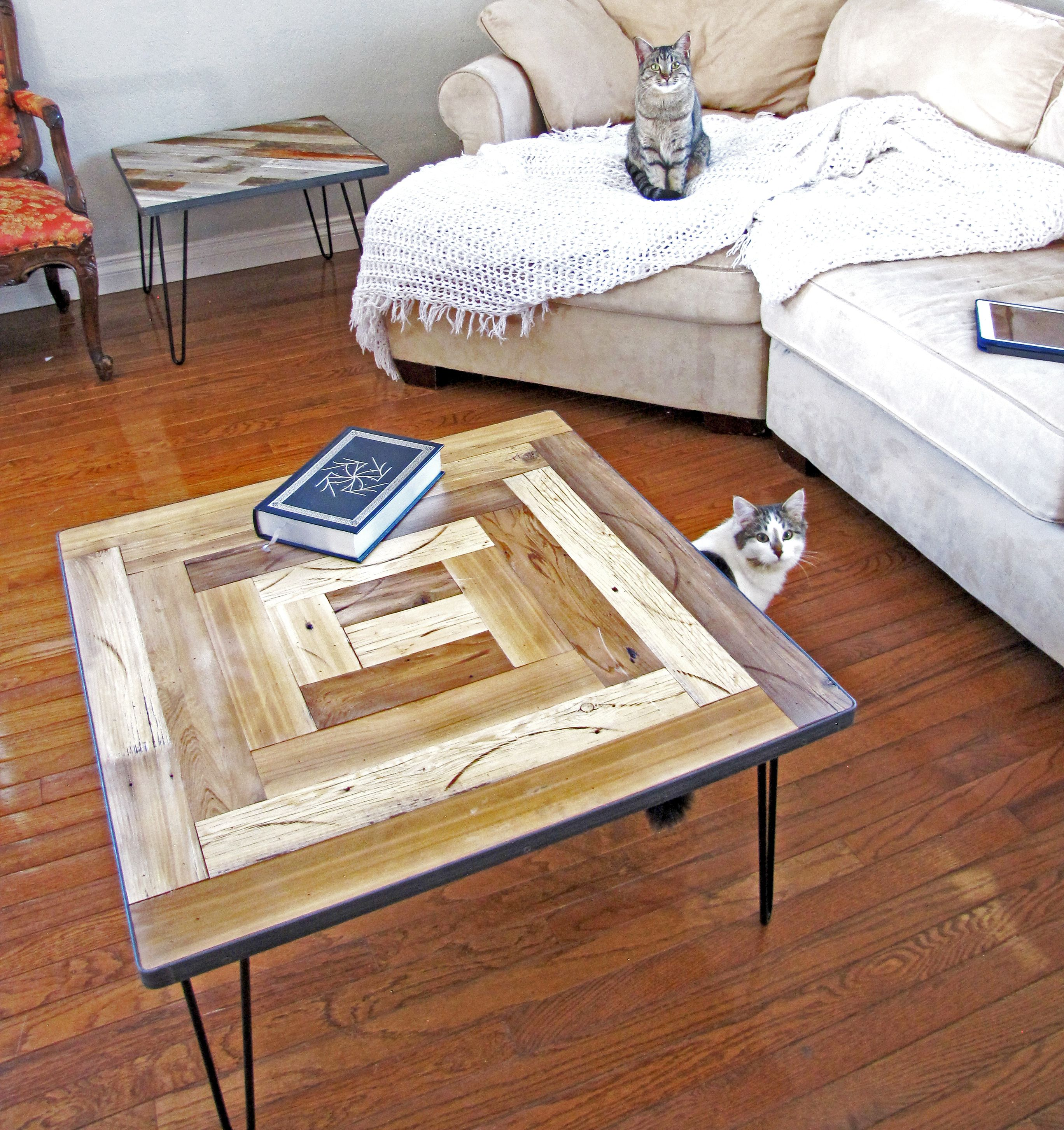 Our New Square Reclaimed Barn Wood Modern Farmhouse Coffee Table Looks Great Everywher Modern Farmhouse Coffee Table Coffee Table Farmhouse Reclaimed Barn Wood [ 2905 x 2736 Pixel ]