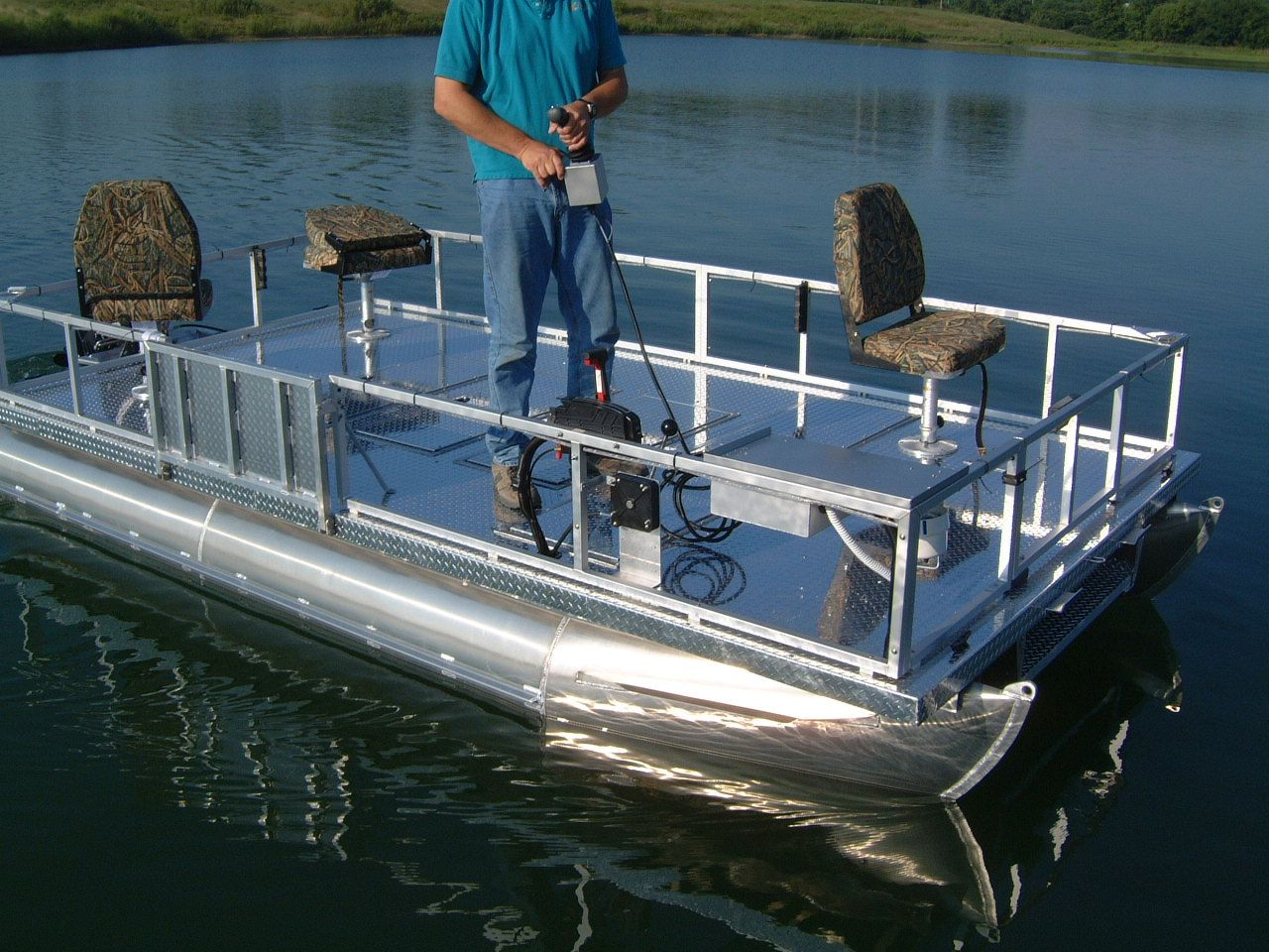 Small pontoon boats fishing pinterest small pontoon for Small boats for fishing
