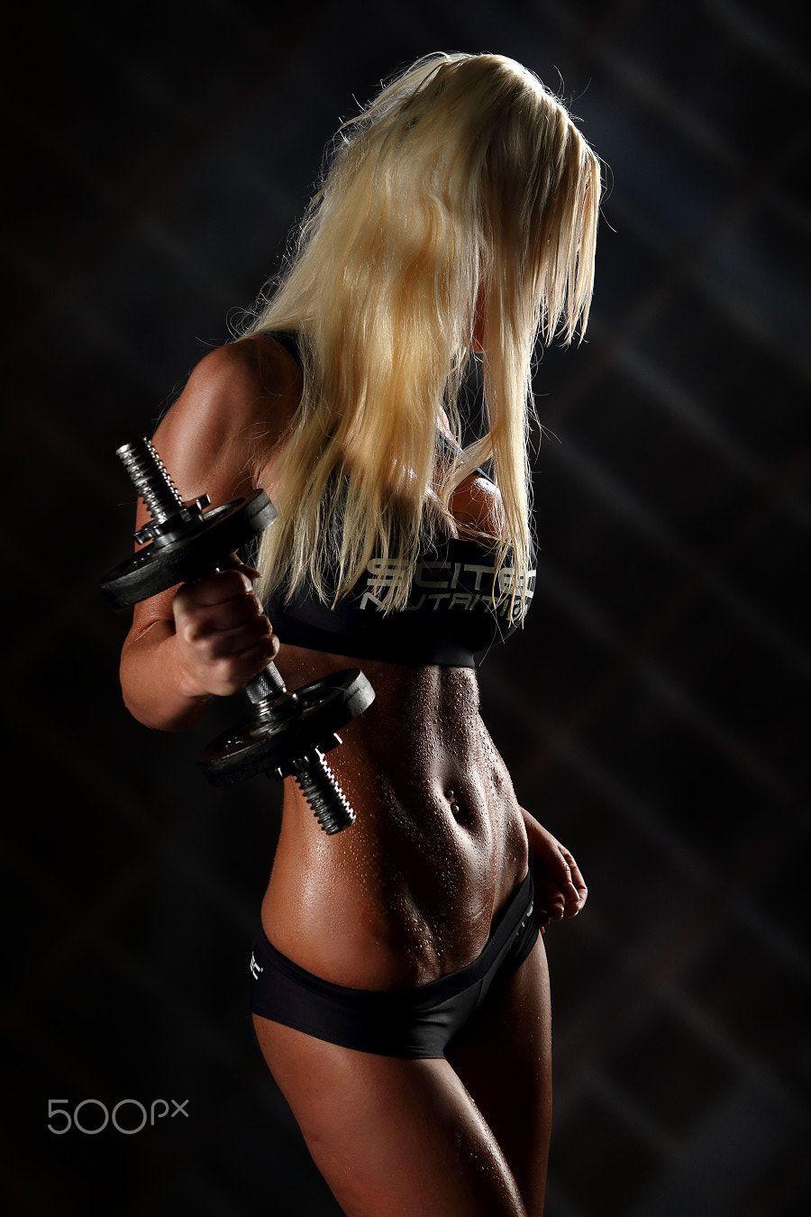 Girls in panties lifting weights Pin On Girls Fashion Photography