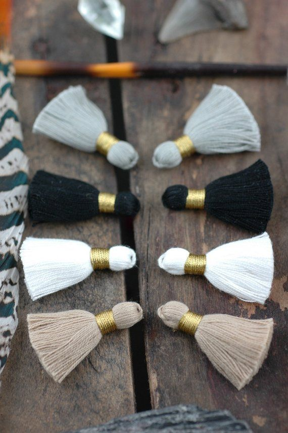 Neutrals Mix Mini Tassels: Short Cotton Tassels, White, Grey, Black, Tan Handmade Jewelry Making Supplies,1.25″, 8 pièces, Fall Fashion DIY