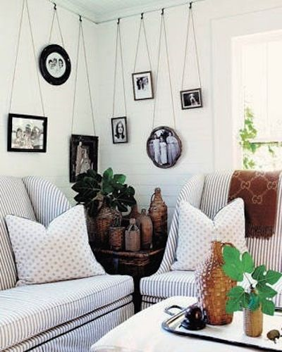 Create An Art Gallery In Your Home With Salvaged Picture Frame