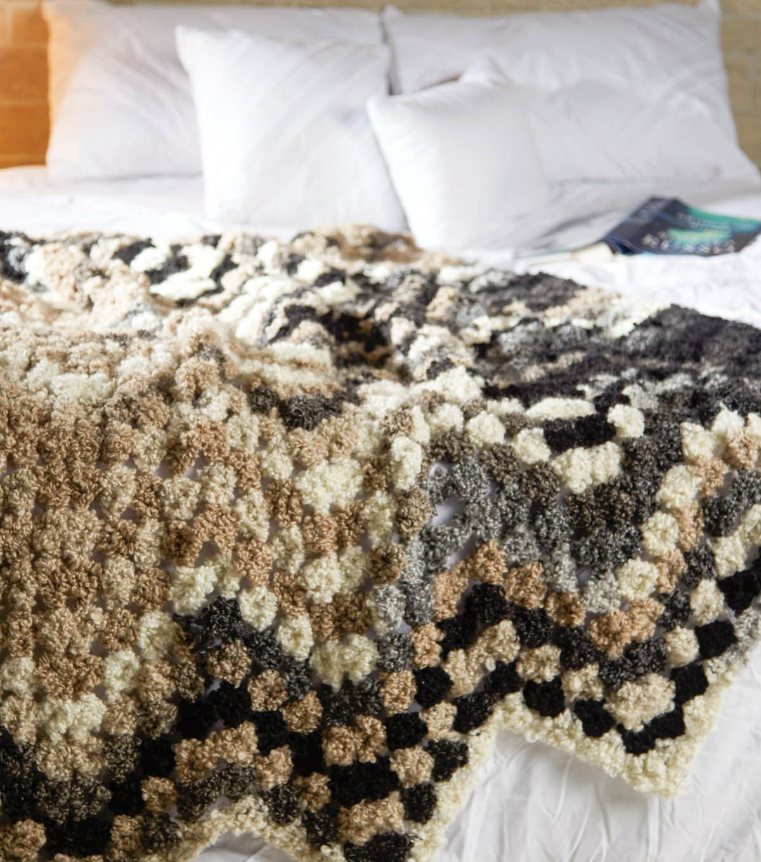 BOUCLE | Knit with JOANN | Pinterest | Manta