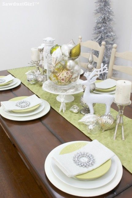 Fun and festive chartreuse and white Christmas table setting by Sawdust Girl. & Fun and festive chartreuse and white Christmas table setting by ...