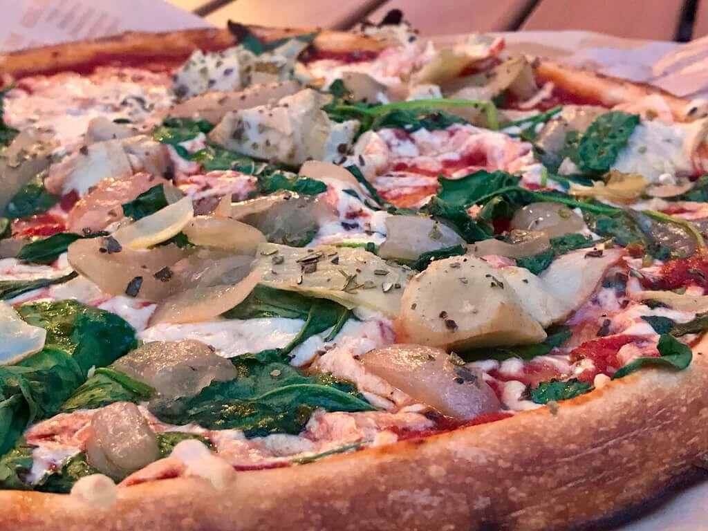 The Best Vegan Friendly Restaurants To Visit With Your Not Yet Vegan Family Vegan Friendly Restaurants Vegan Menu Vegan Pizza