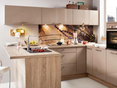 Attraktive Wohnideen, wie man eine Küchenrückwand einbauen kann - küche aus holz