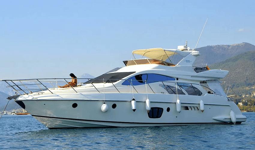 New Year Eve Yacht Rental Dubai Luxury