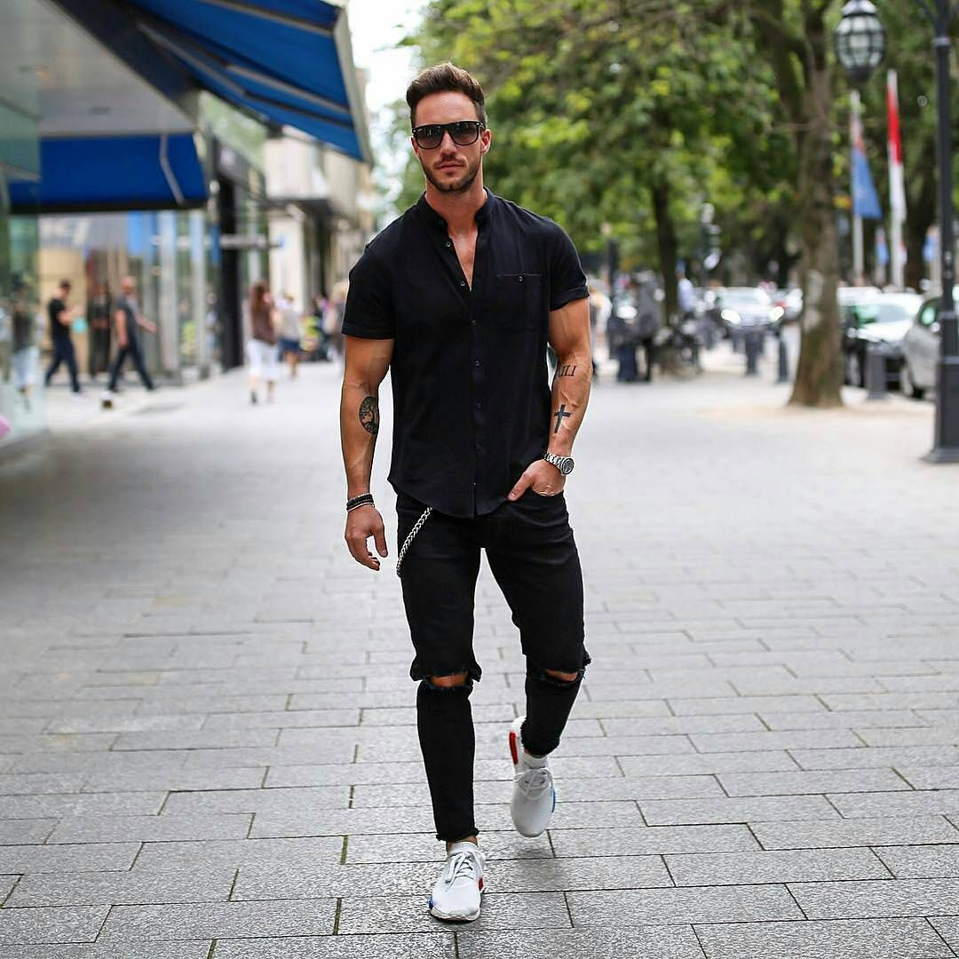 available store classic style Style of the Day! All black everything!! Daniel (Magic) Fox ...