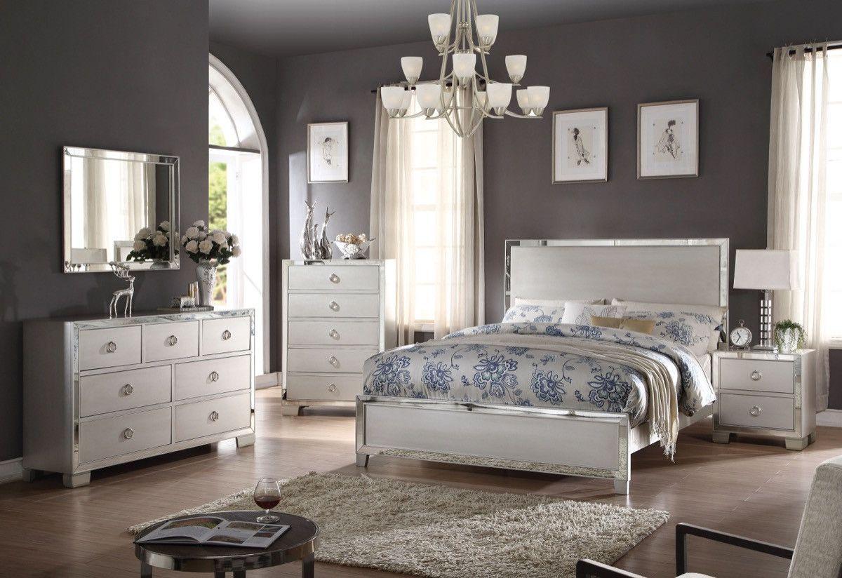 Voeville II California King Bed Platinum - 24834CK