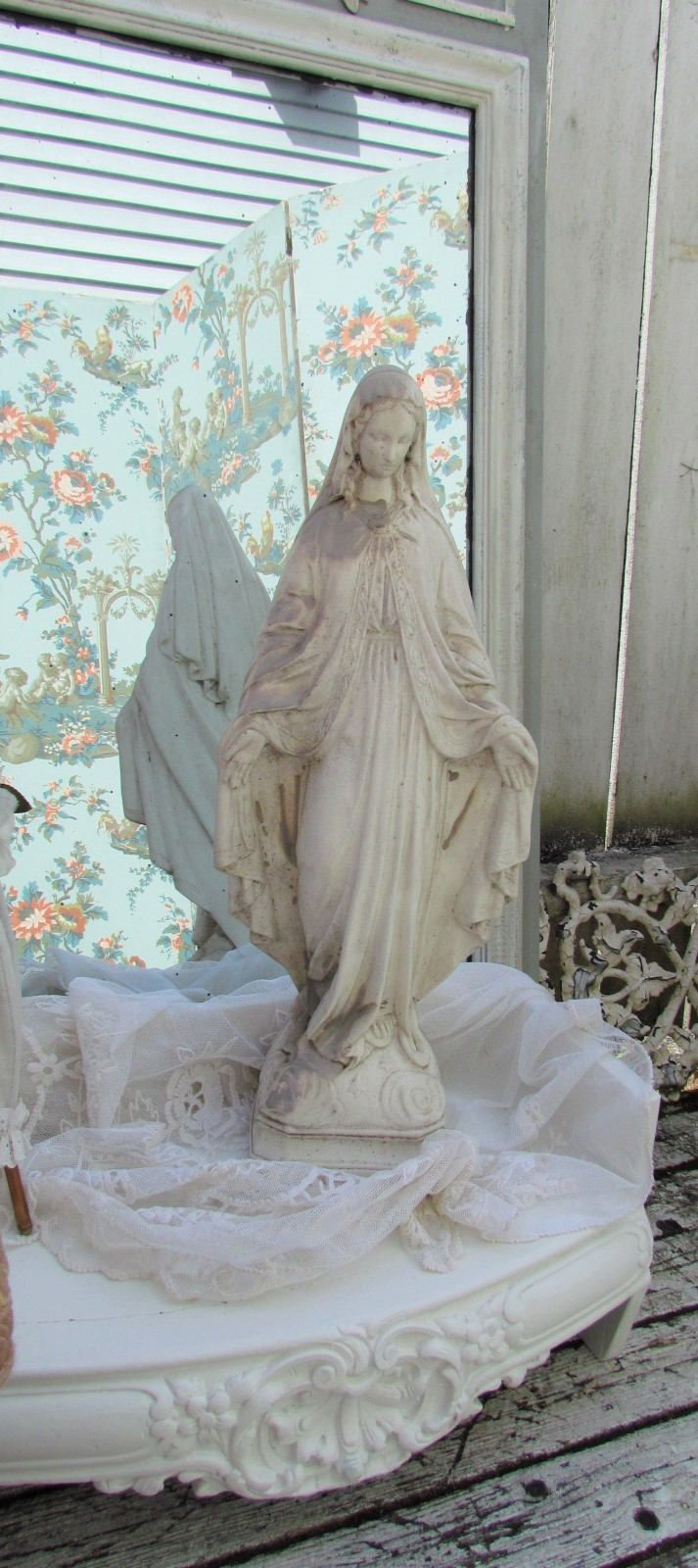 Large Madonna Garden Statue Virgin Mary Statue. Mother Mary