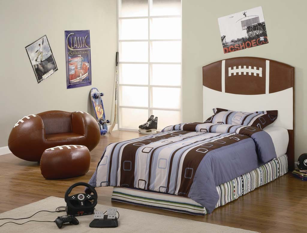Boys bedroom designs sports - Top 15 Stylish Sport Themed Kids Room Designs Astonishing Sport American Football Themed Kids Room Design With Football Ball Shaped Single