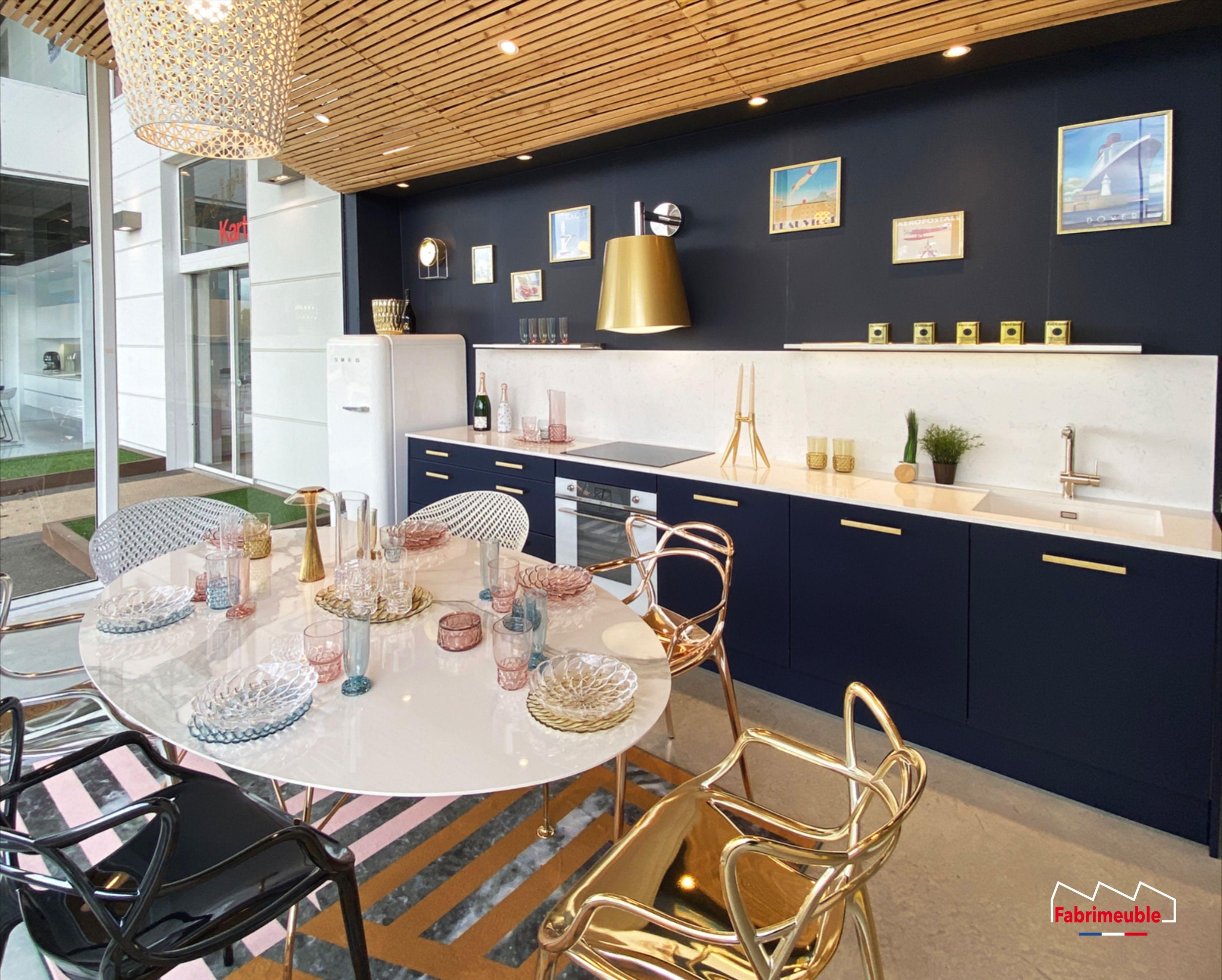 Cuisine Bleu Marine Et Or Bleu Nuit Art Deco Made In France En 2020 Fabricant Cuisine Cuisine Laquee Tapis Art Deco