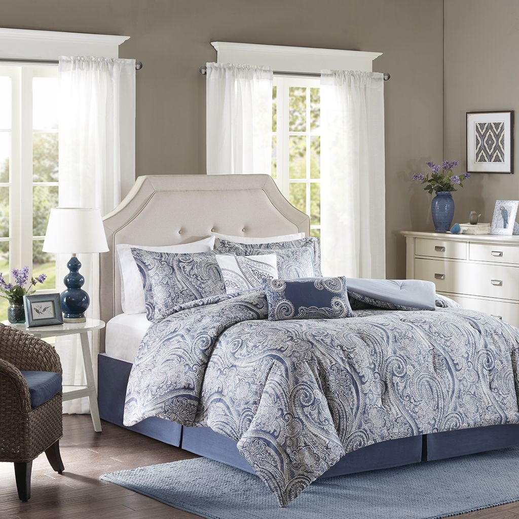 Give your bedroom a touch of timeless glamour