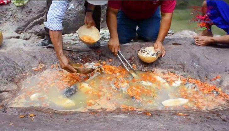 Desde hace 5 mil años que se hace este caldo mexicano en piedras - bao de piedra