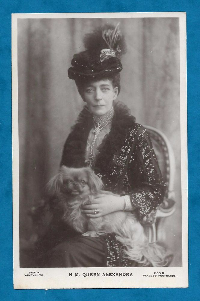 1922 RP PC QUEEN ALEXANDRA WITH PEKINGESE DOG ON HER KNEE