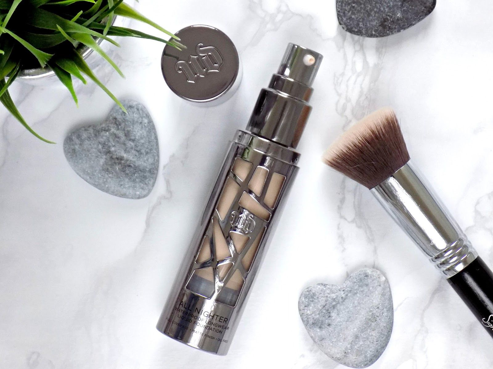 Urban Decay All Nighter Liquid Foundation review with