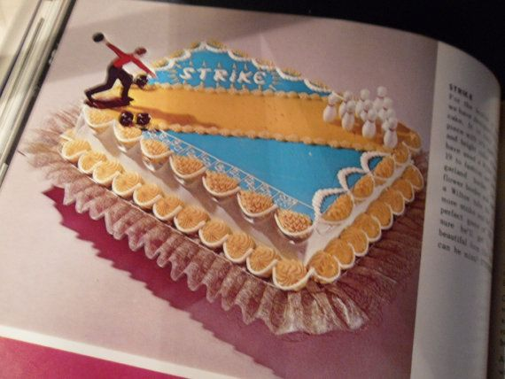 Bake a Retro Cake. 1969  Modern Cake Decorating by by decotini, $9.00