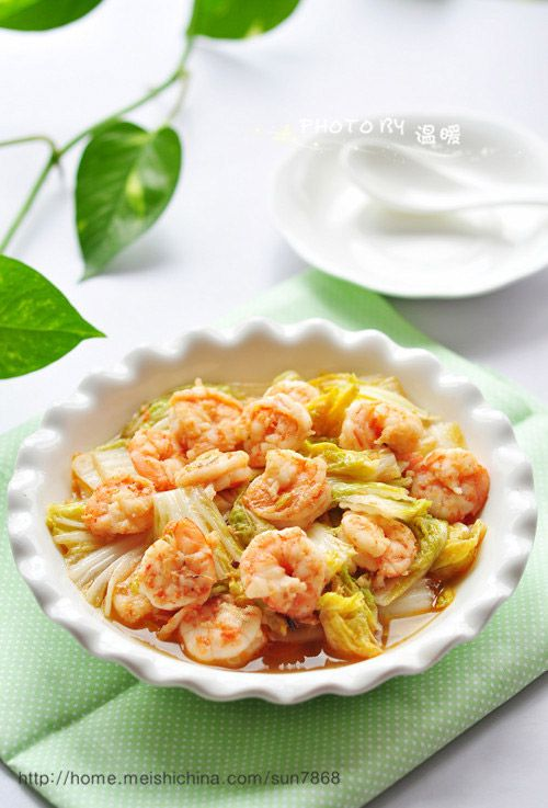 Stir fry cabbage shrimp