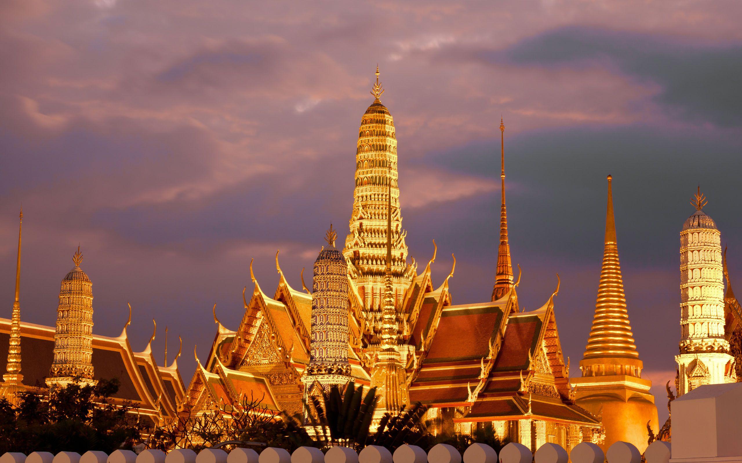 Kết quả hình ảnh cho golden temple thailand