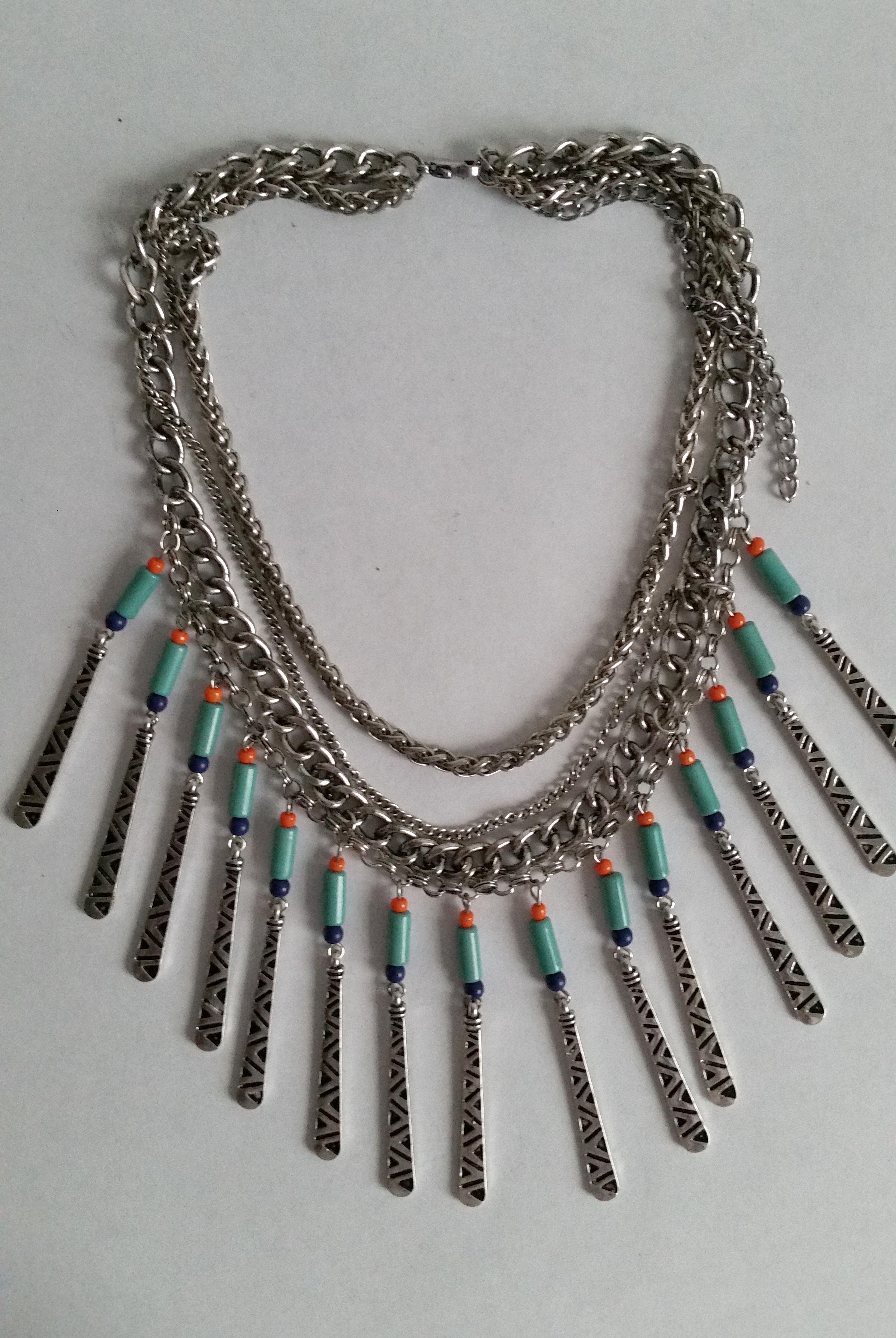 collier ras de cou amerindien