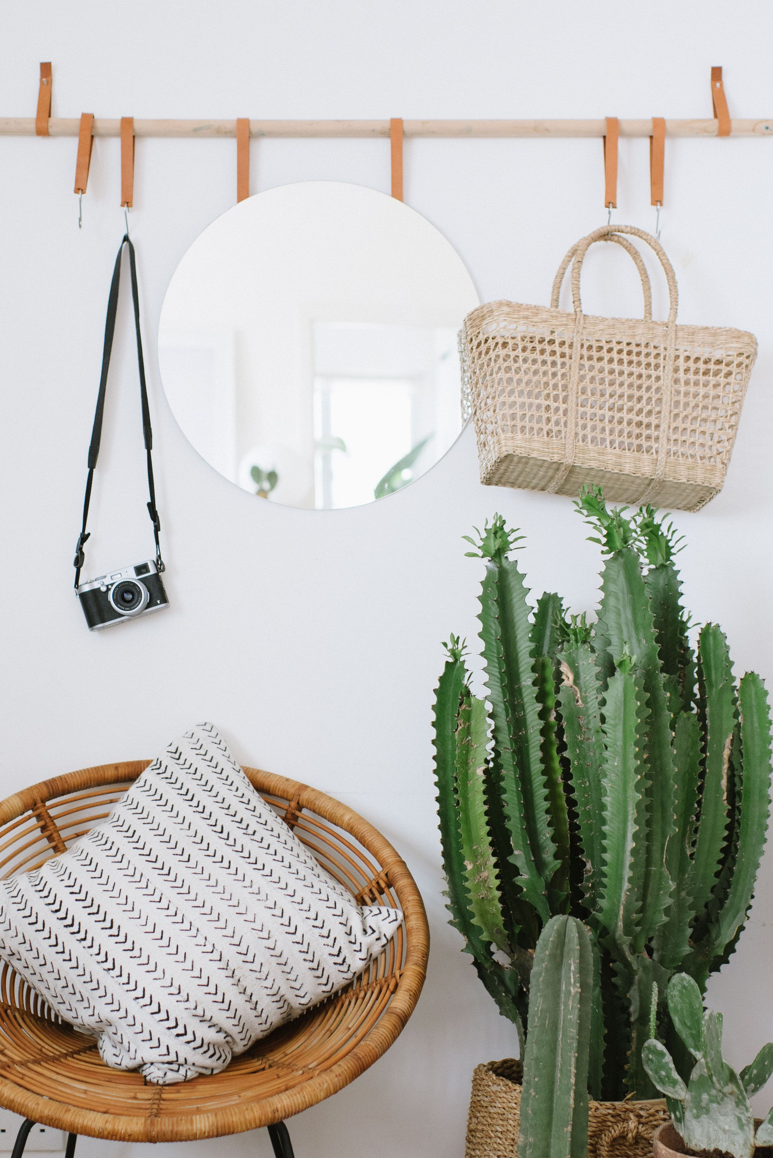 The DIY entryway organiser compact enough to fit in the tiniest of apartments