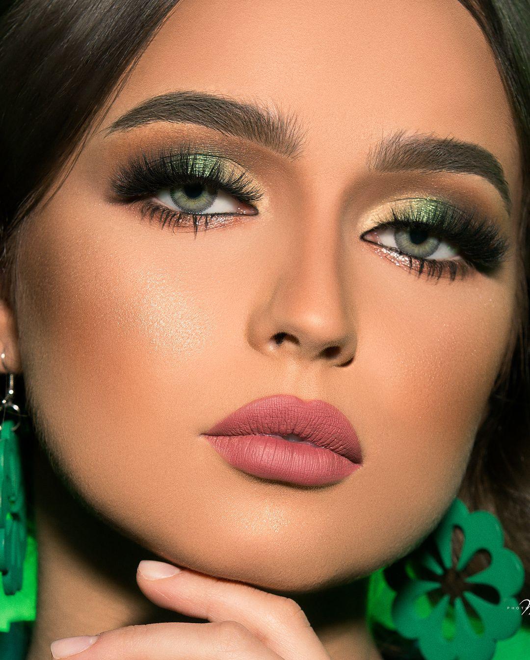 من اللوكات الفائزة بمسابقة نورة بوعوض بانامل الابداع كله Makeup Artist Jawaher مسابقة نوره بوعوض عربيه N Makeup Salon Gorgeous Makeup Eye Makeup