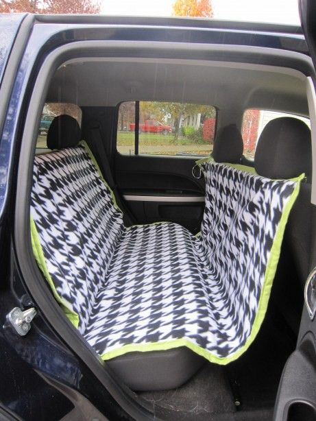 DIY car seat cover for dogs--hammock style keeps them from jumping into the front and keeps them from hurting themselves if there is a sudden stop. @ Heart-2-HomeHeart-2-Home