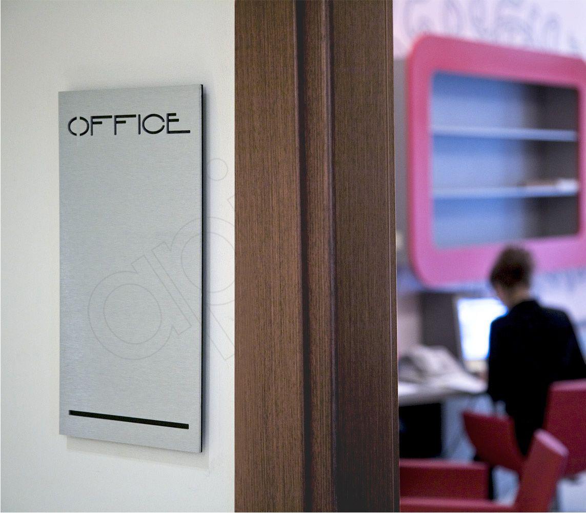 Targa di segnaletica per uffici. #targa # ...