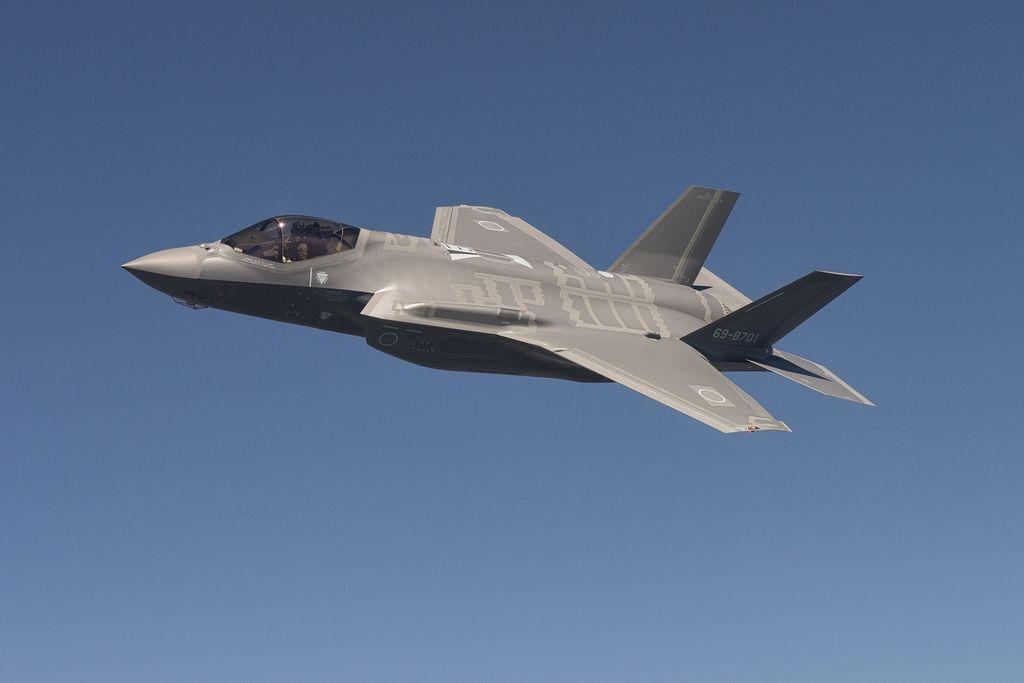 US Long endurance UAS completes first successful flight Aircraft - uas modernas
