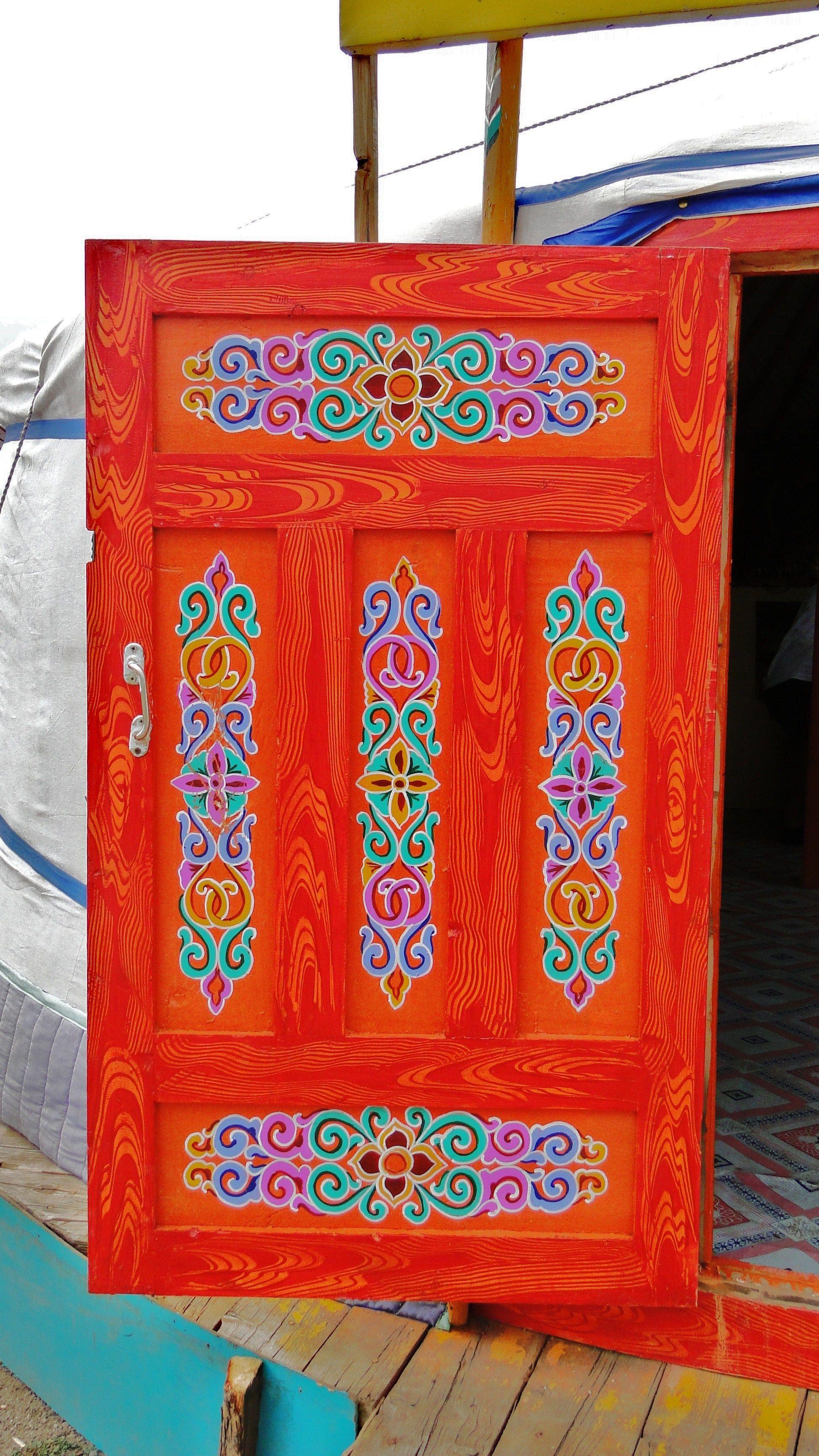 Mongolian Ger Door Avec Images Decoration Originale Mongolie Idee De Decoration