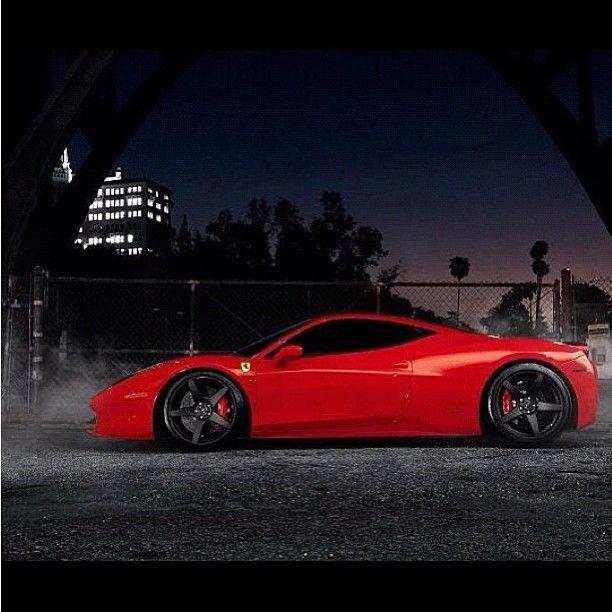Ferrari Car Wallpaper: Luxury Ferrari 458 Italia