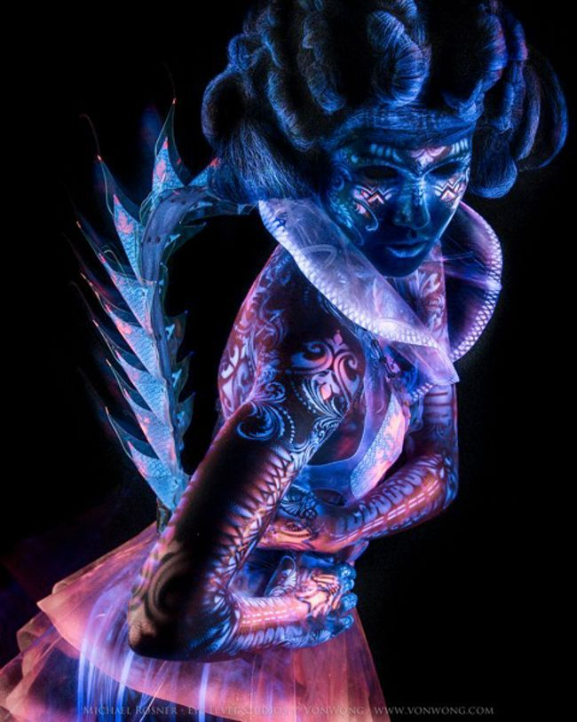 UV Lights and Body Paint | Von Wong Inspires Again In This