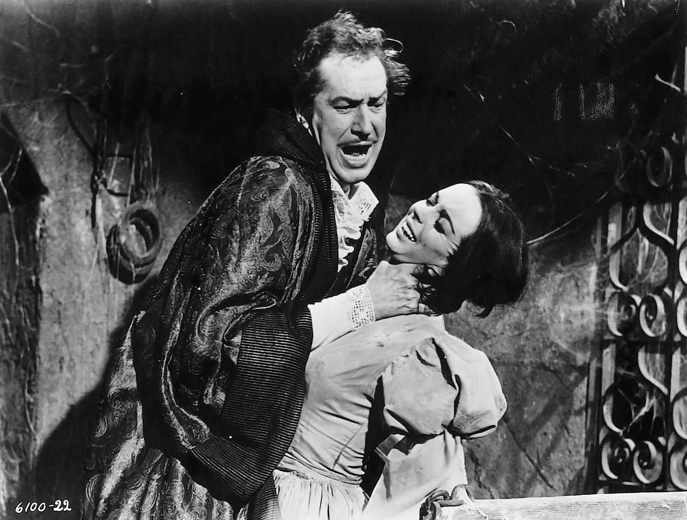 17 best images about vincent price gene tierney the pit and the pendulum edgar allan poe barbara steele and vincent price