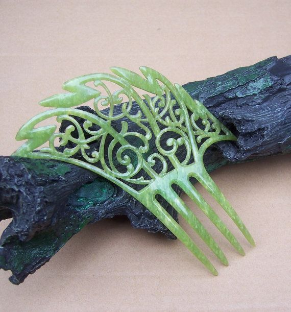 Art Deco hair comb marble jade effect asymmetric style hair accessory. Elronds Emporium on Etsy.