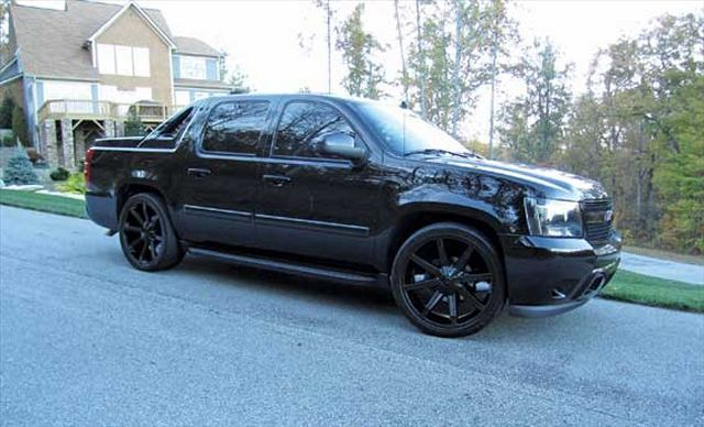 Readers Rides Number 8 Custom Trucks Truckin Magazine Chevy Avalanche 2007 Chevy Avalanche Chevy