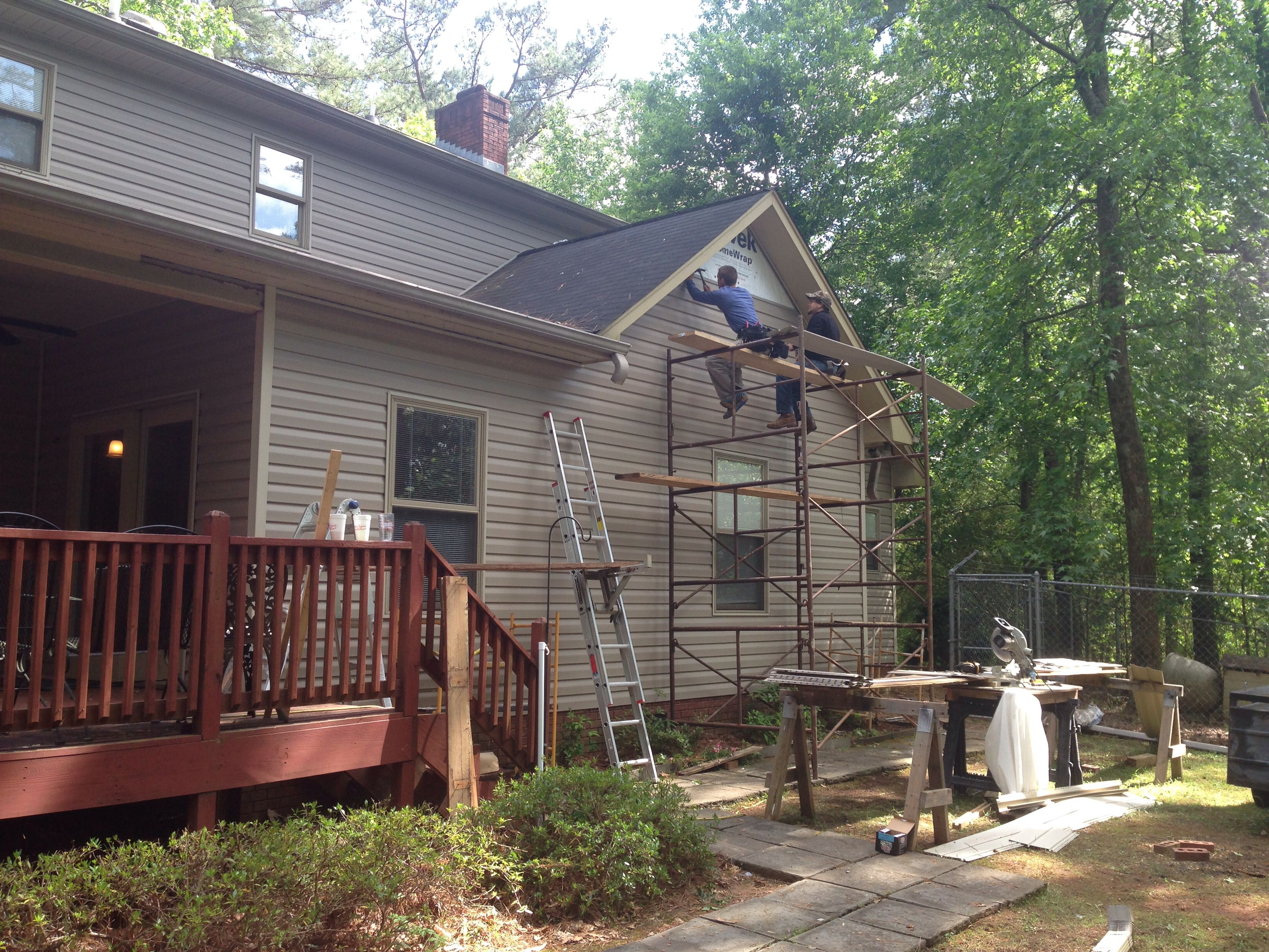 Pin By Forrest Swaffield On Exterior Projects Siding Colors Vinyl Siding House Styles