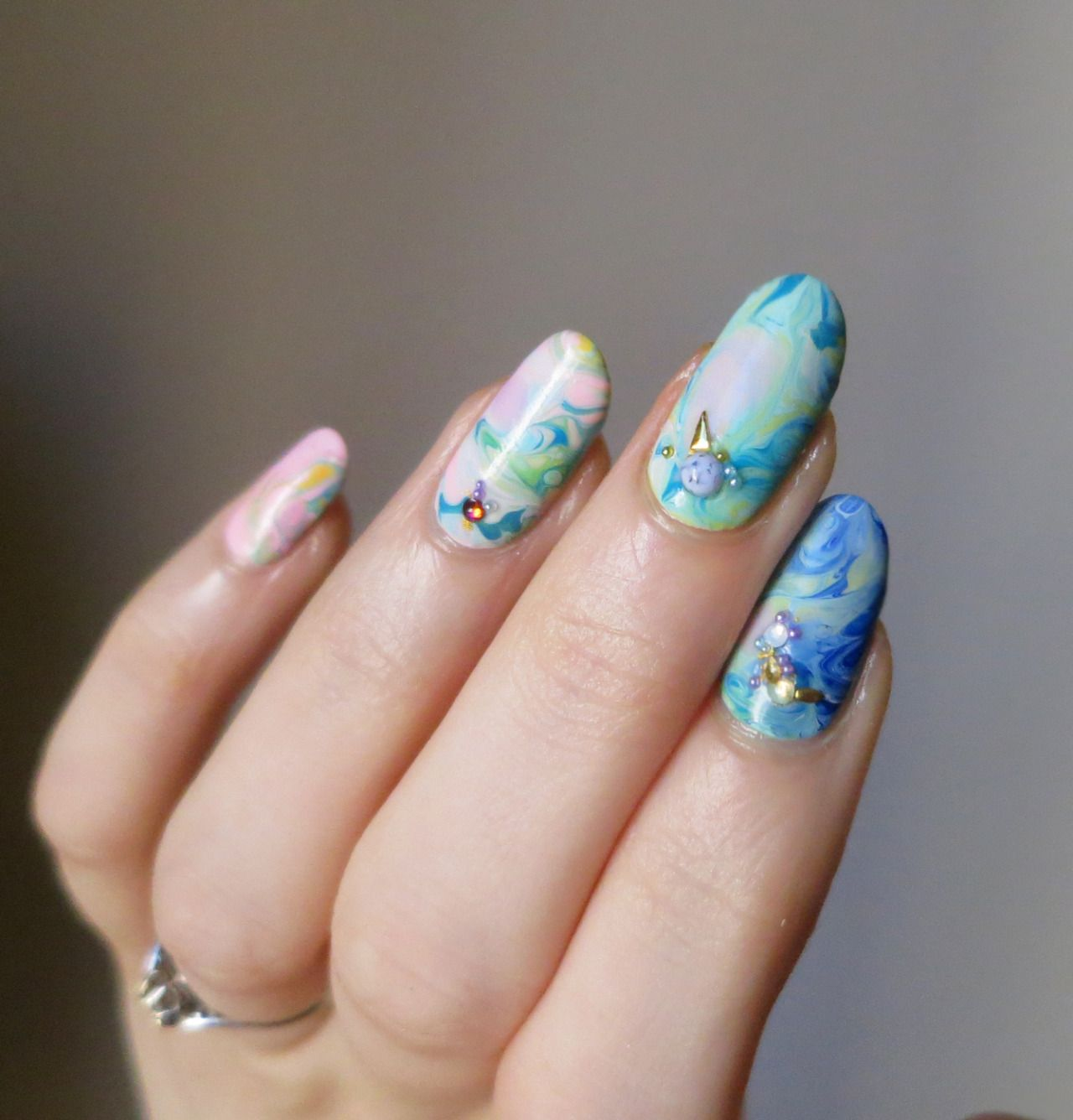Dry-marbled nails, inspired by Hannah Rox It.   N A I L E D I T ...