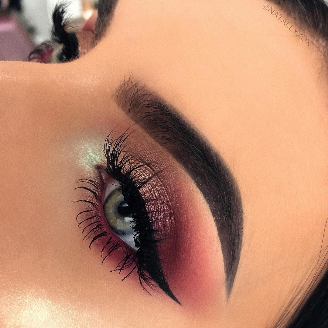 Gorgeous eye makeup from Norvina Palette