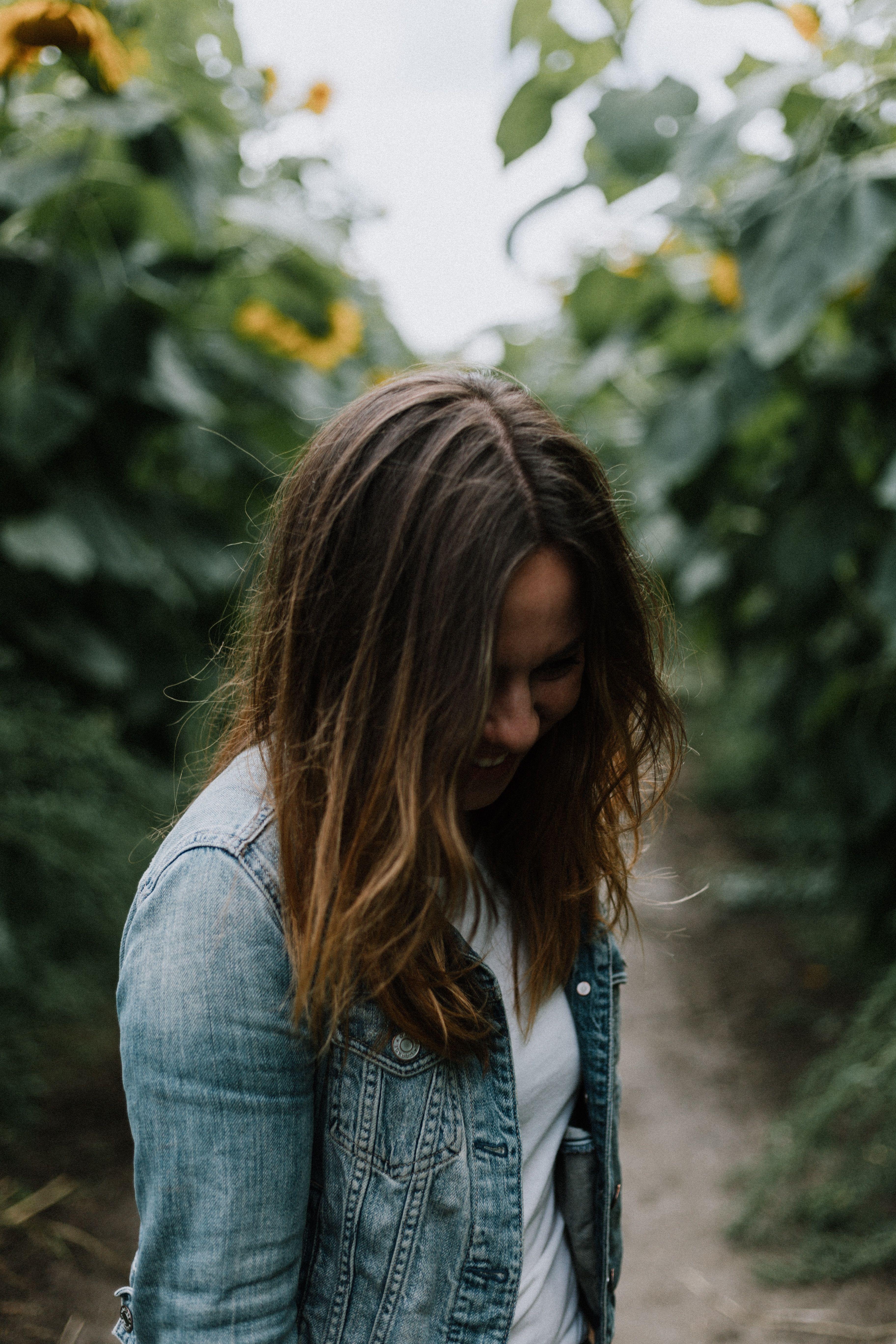 women's gray denim button-up jacket, Canon, Canon EOS 6D