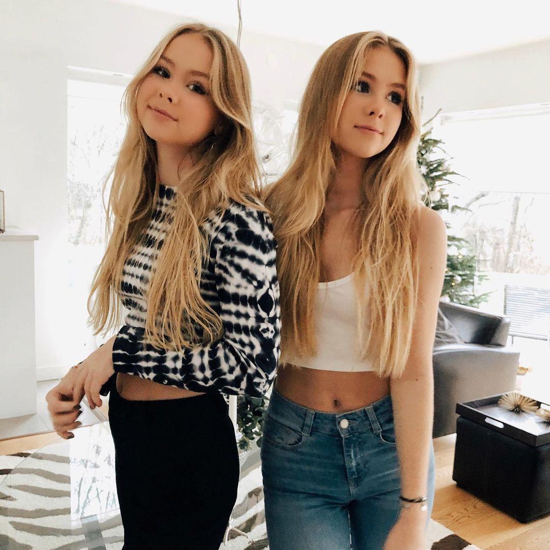 beautiful twins in 2021   mädchen fotos, mädchen, hübsche