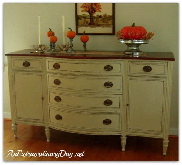 Annie Sloan Chalk Paint} Transforming a Vintage Sideboard with ...