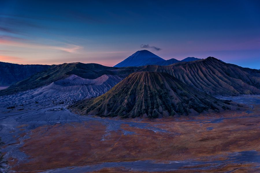 Mount bromo at sunrise in Java by Julien Boé - Photo 129677011 / 500px