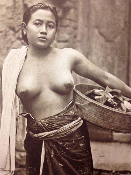 nude bali indonesia