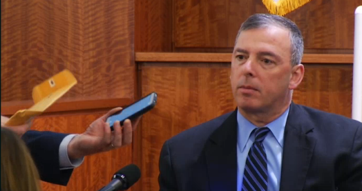 #AaronHernandez Elliott ID's shoes he wore that night. Pic of phone that was on Lloyd's body