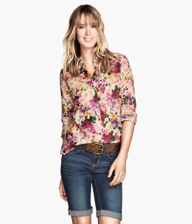 Blommig skjorta, 249:-